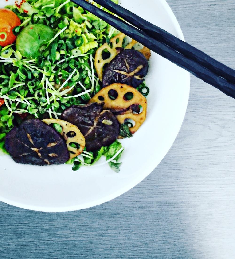vegan salat japan reise inspiration