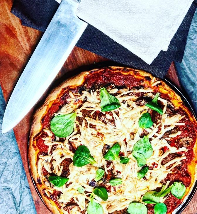 Ausprobiert: Daiya Mozzarella Shreds und vegane Field Roast Würstel
