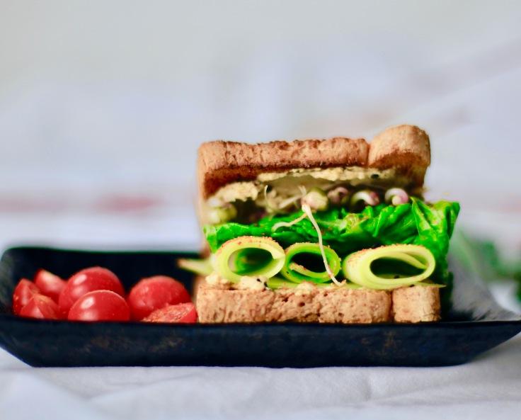 veganer toast hummus idee