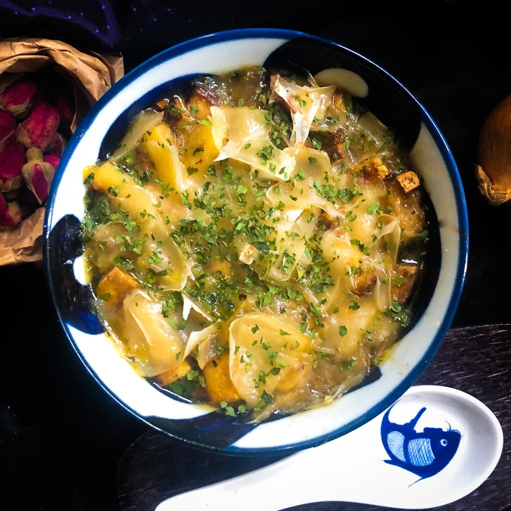 Zwiebelsuppe vegetarisch Rezept einfach